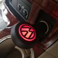 AUTOADAPTÉR S 2 USB PORTY A LED LOGEM